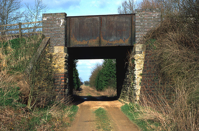 Bridge near Carterton station