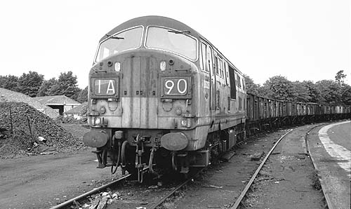 D6326 in Witney goods yard